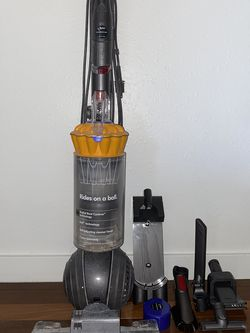Dyson DC40 Animal (Vacuum) for Sale in Lake Oswego,  OR