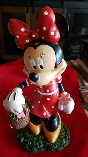 Minnie Mouse with flower basket almost 13 inches tall. Like new very cute. for Sale in Bonney Lake, WA