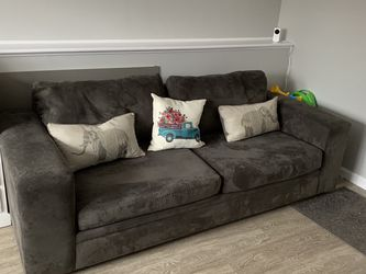 Living Room Multi-colored Couch, Chaise for Sale in Billerica,  MA