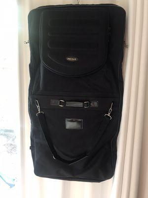 Men's black garment bag for Sale in Houston, TX
