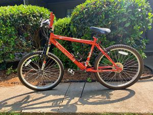 21 Speed Magna Great Divide Mountain Bike, Red for Sale in Atlanta, GA