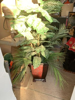 Big fake plant for Sale in Las Vegas, NV