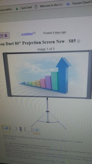 Epson duet 80-inch projection screen for Sale in Cleveland, OH