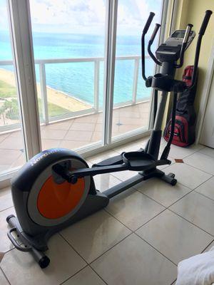 Elliptical NordicTrack (Like New) for Sale in Miami, FL