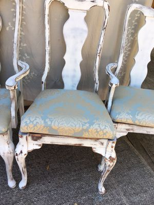 Beautifully distressed antique queen and chairs with designer silk' for Sale in Austin, TX