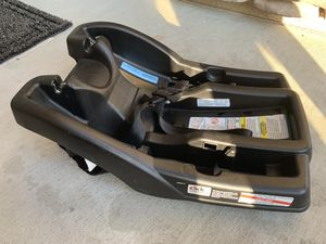 Graco infant car seat base for Sale in Chula Vista, CA