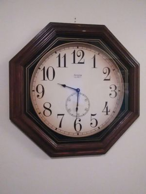 Large Wall Clock for Sale in San Angelo, TX
