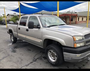 2003 Chevy Silverado 2500HD 4wd for Sale in Stockton, CA