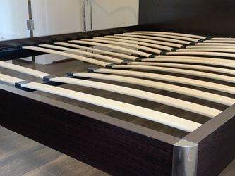 Beautiful Modern Queen Platform Bed! High End! for Sale in Seattle,  WA