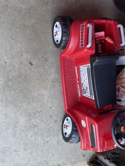 Red Rider 6v Ride On Fire Truck for Sale in Chillicothe,  IL