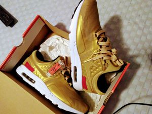 NIKE AIR MAX ZERO QS for Sale in Cartersville, GA
