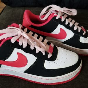 Air FORCE 1 Women Size 7 Or YOUTH 5Y for Sale in Durham, NC