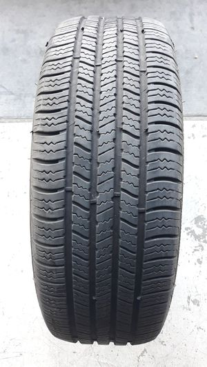 1- TIRE - 215 /65R16 GOODYEAR. TIRES WITH ABOUT 85- 90 % TREAD REMAINING. NO PATCHES , DOT 2018. ASKING $ 30 OBO for Sale in Henderson, NV