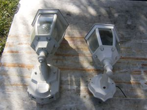 WHITE METAL PORCH LIGHT FIXTURES DUSK TO DAWN for Sale in La Mesa, CA