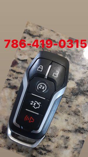 Car keys llaves de carro cerrajero for Sale in Miami, FL
