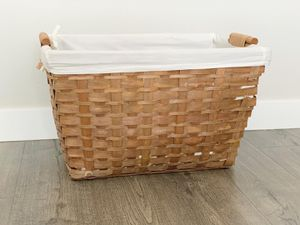 Linen & wood basket for Sale in Auburn, WA
