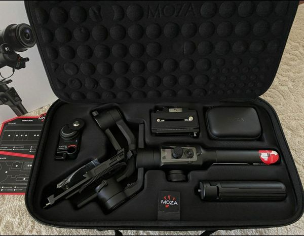 Moza Air 2 Gimbal Kit with ifocus + travel case