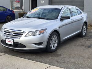 2011 Ford Taurus special edition 119k mi for Sale in Everett, MA