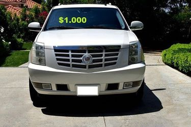 💚FOR SALE 🎁2OO8 Cadillac Escalade'Suv 🔥 Clean title $1,OOO for Sale in Columbus,  OH