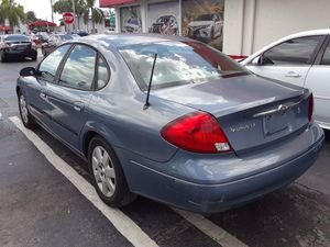 Ford Taurus model 2000 144.000 milles for Sale in Fort Lauderdale, FL