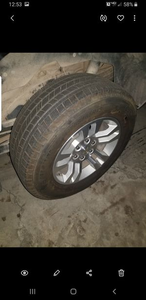Chevy silverado, suburban, Tahoe wheels and tires 265/65/r18, 6lug for Sale in CRYSTAL CITY, CA