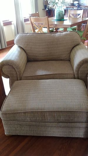 Chair and matching ottoman. for Sale in Hutchinson, KS