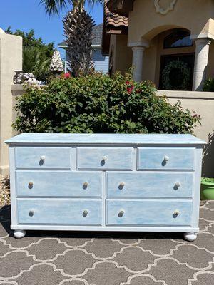 Broyhill dresser for Sale in Austin, TX