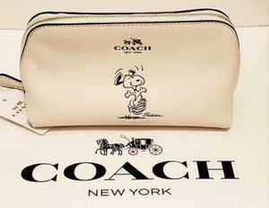 COACH DANCING SNOOPY COSMETIC CASE for Sale in Park Ridge, IL