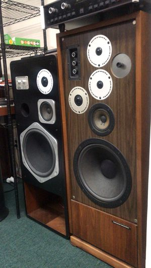 Marantz Speakes two pair hd88 and 940 for Sale in Queens, NY