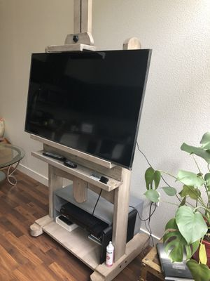 Tv stand art easel (tv not included) for Sale in Portland, OR