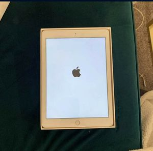 Ipad 5th for Sale in Houston, TX