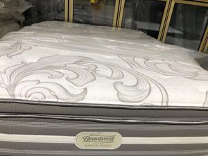 Set queen size beautyrest new-nuevo for Sale in Houston, TX