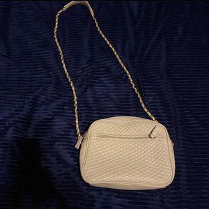 white purse for Sale in Alton, IL