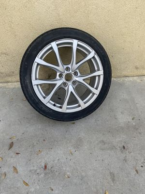 Audi A6 spear Tire for Sale in Los Angeles, CA