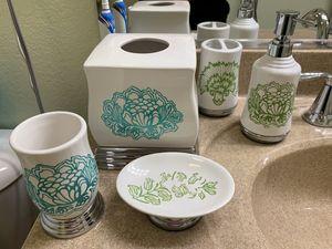 Bathroom accessories for Sale in Jurupa Valley, CA