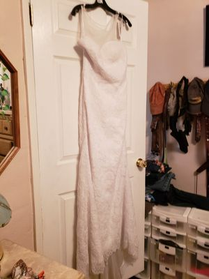 Wedding dress with veil, never worn for Sale in Gulfport, FL