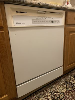 White Dishwashing Machine for Sale in Affton, MO