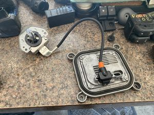 2014 f150 hid bulb and ballast for Sale in Kennedale, TX