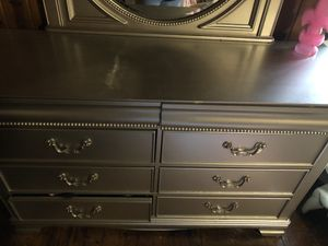 Dresser and mirror for Sale in West Columbia, SC