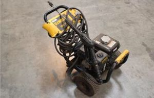 Dewalt 3000 Psi Pressure Washer for Sale in St. Louis, MO