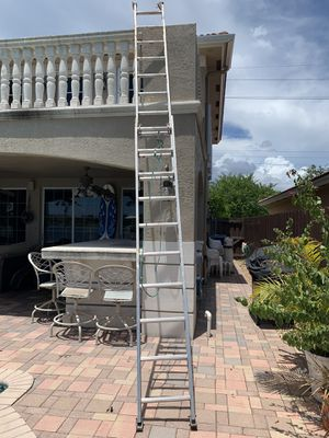 Aluminum extendable 20ft Ladder for Sale in Miami, FL