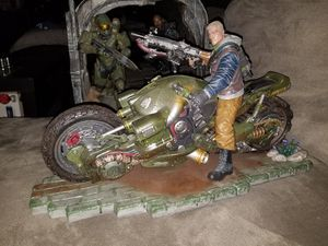 Gears Of War Collectors edition statue for Sale in View Park-Windsor Hills, CA