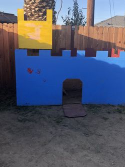 Castle Kids Play for Sale in Compton,  CA