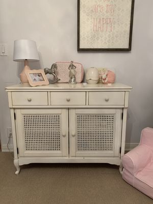 Pottery Barn Kids changing table dresser for Sale in Los Angeles, CA