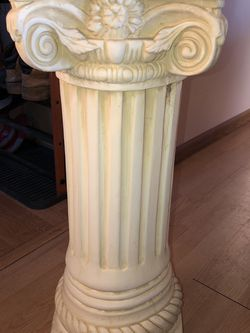 Column style plant stands for Sale in North Ridgeville,  OH