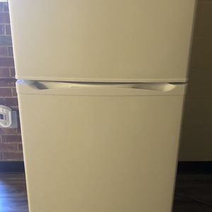Brand new GE Refrigerator For Sale. Price NEGOTIABLE for Sale in Columbia, SC