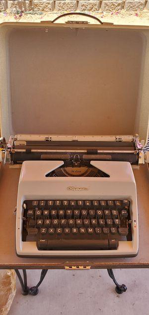 Vtg. Olimpia Deluxe typewriter 1962 for Sale in El Cajon, CA