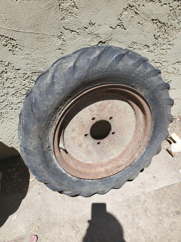 Art deco, yard art, rustic, antique, tractor