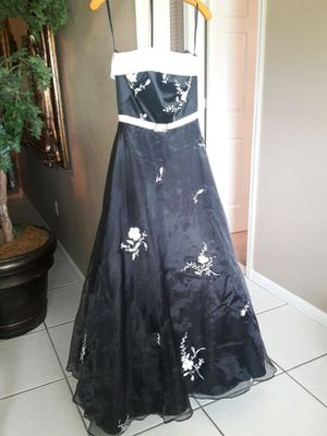 Dress over $600 new for Sale in West Palm Beach, FL