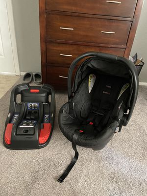 Britax B-safe infant car seat and base for Sale in Phoenix, AZ